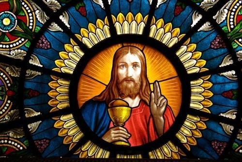 altar-window-1059741_640