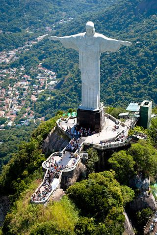 512px-Aerial_view_of_the_Statue_of_Christ_the_Redeemer