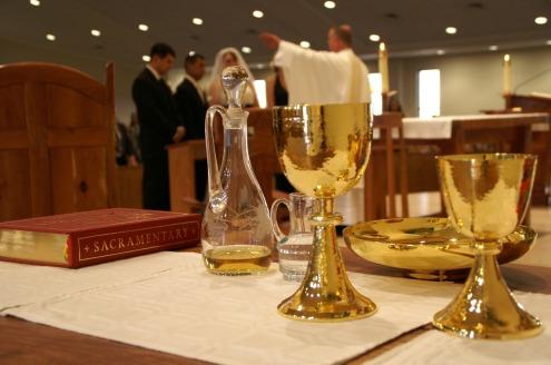 sacrament-338987_1920 (1)