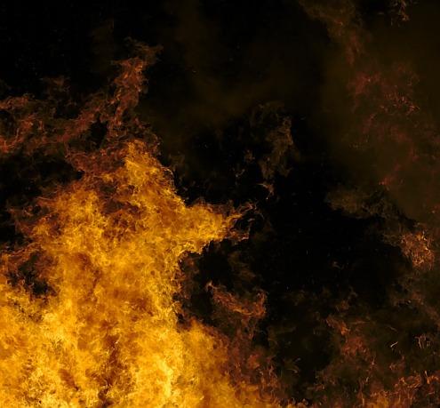 fire-586043_1920